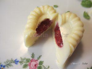 Бели Ивини чоколатца
