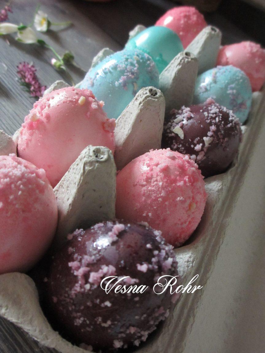 Пастелни јајца за Велигден